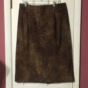 Briggs New York leopard print skirt